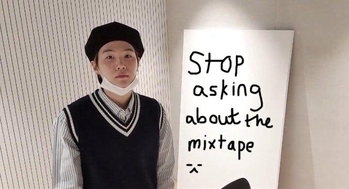 RM BTS, mixtape và ca khúc mới của Suga với IU, RM khen ngợi Suga với IU, DJ Suga's Honey FM 06.13, đĩa đơn Eight của IU, mixtape đầu tay Agust D