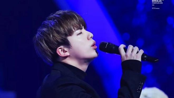 Giáo viên thanh nhạc xúc động trước nỗ lực và thái độ của Jin BTS