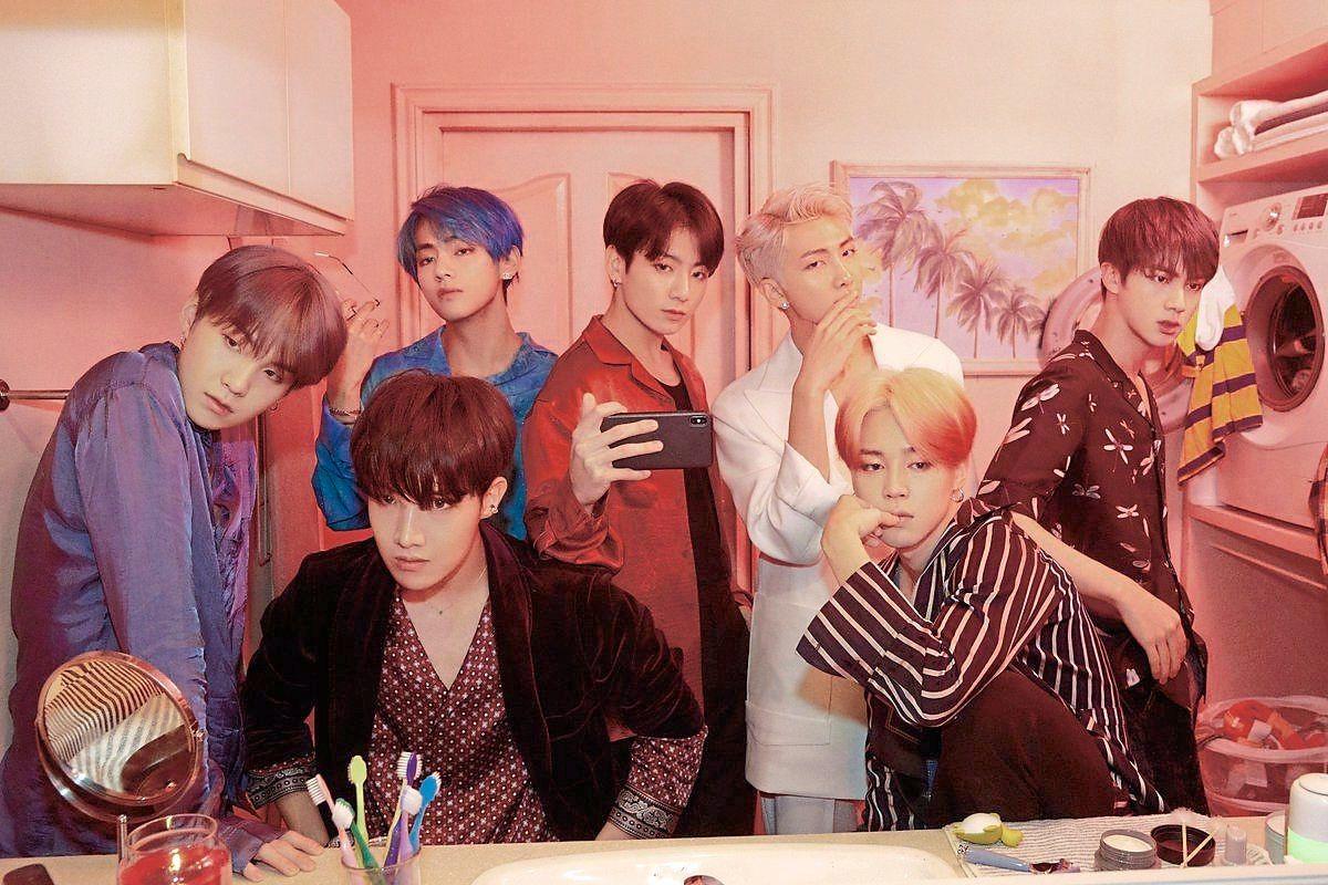 BTS, Phiên bản D-7 của BTS, BTS #StayConnected, Map of the Soul: 7, BTS hòa nhạc trực tuyến, BTS tham gia chương trình thực tế mới I Land