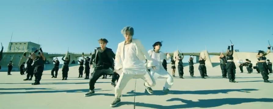 BTS, Jin liên tục bị Big Hit coi thường, ARMY phẫn nộ vì Jin bị coi thường, đại diện hình ảnh của BTS, MV ON của BTS