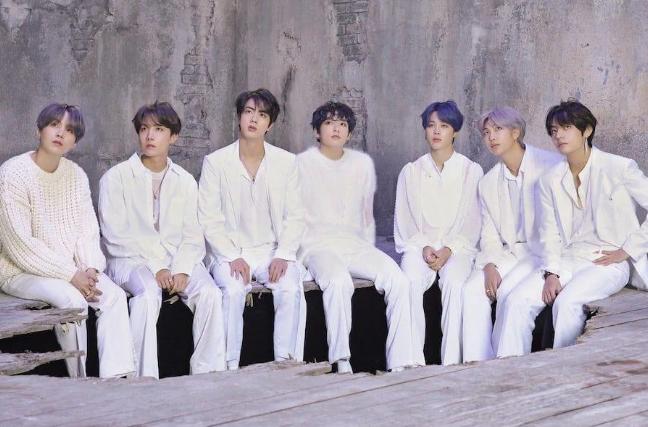 BTS đạt thành tích khủng trên Billboard, BTS là ban nhạc kinh điển, Map of the Soul: 7, mixtape D-2 của Suga, Chicken Noodle Soup của J-Hope, BXH Album thế giới