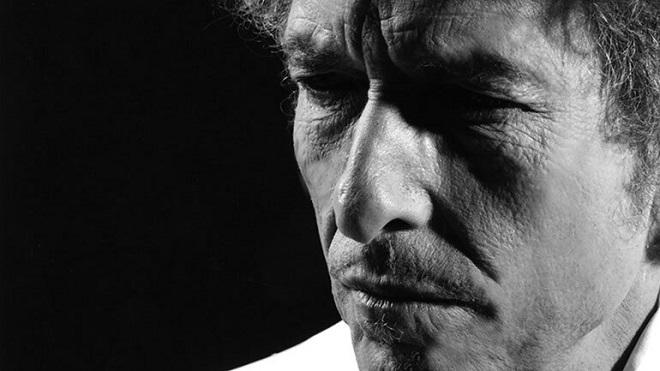 Bob Dylan lần đầu trả lời phỏng vấn sau nhiều năm, nói về George Floyd, đại dịch, Little Richard và… The Eagles