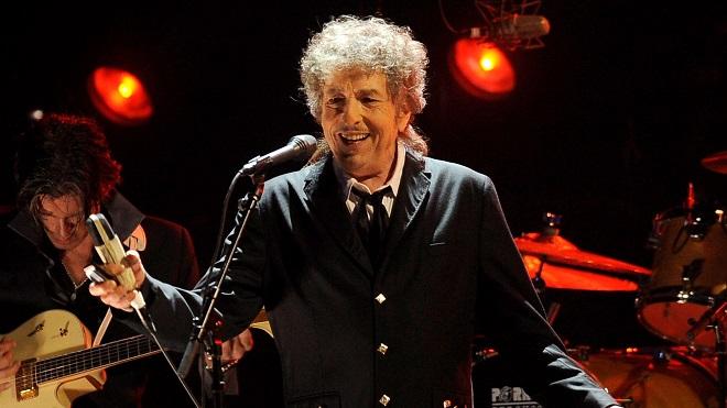 'Rough and Rowdy Ways' của Bob Dylan: Cách chủ nhân Nobel Văn học viết lại lịch sử