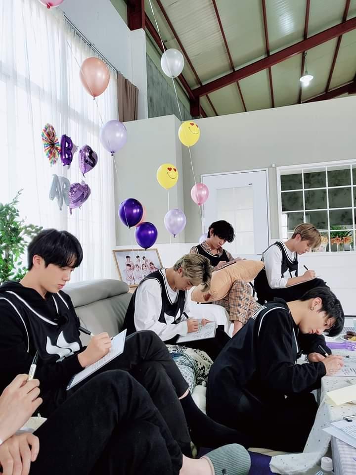 RM BTS, Tâm thư của RM BTS, Kỷ niệm 7 năm BTS ra mắt, 7 năm thành lập BTS, BTS viết tâm thư cho fan, BTS gửi thư cho ARMY, Lá thư của RM gửi người hâm mộ