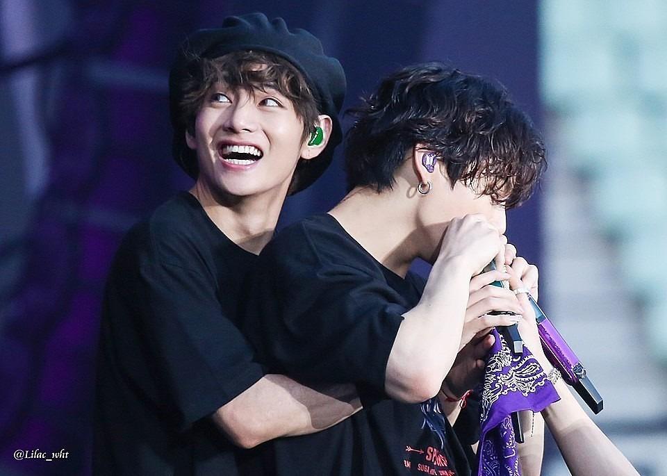 V BTS, Jungkook BTS, V và Jungkook BTS chăm sóc nhau như mẹ con, Map Of The Soul: 7 ~ The Journey, tình bạn của V và Jungkook BTS, BTS, ARMY, V, Jungkook