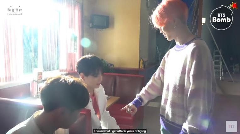 Jimin BTS, Jimin BTS nói về cơ thể mình, Jimin BTS bất ngờ về chính mình, Jimin luôn yêu bản thân mình, tính tự tôn của Jimin, MV Boy With Luv, Bangtan Bomb