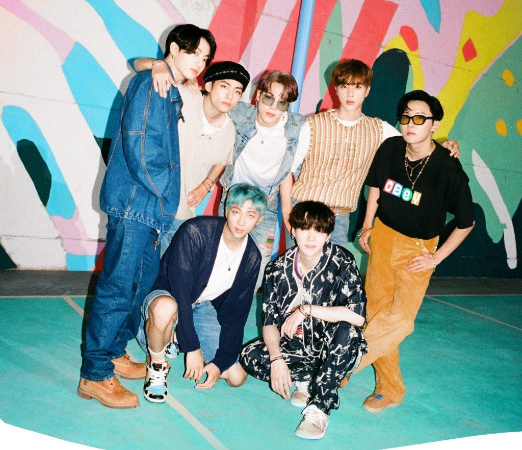 BTS, Blackpink, Kết quả giải Soribada, Nhạc Kpop xuất sắc nhất năm 2020, Soribada, BTS, Kang Daniel, Twice, BTS đoạt giải Daesang, m Young Woong, NCT Dream, Oh My Girl