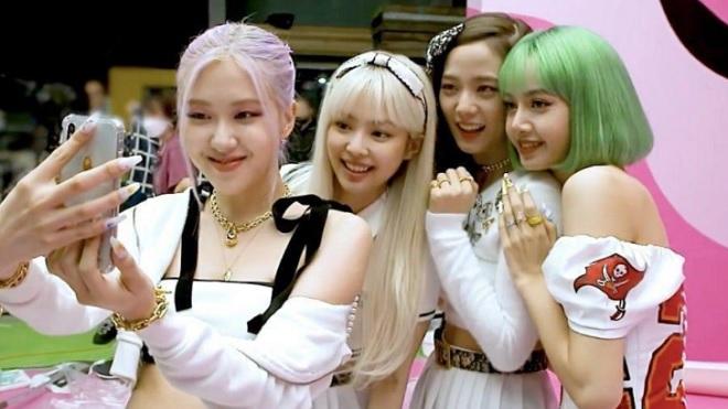 Blackpink khoe cảnh hậu trường 'Ice Cream' siêu ngọt ngào
