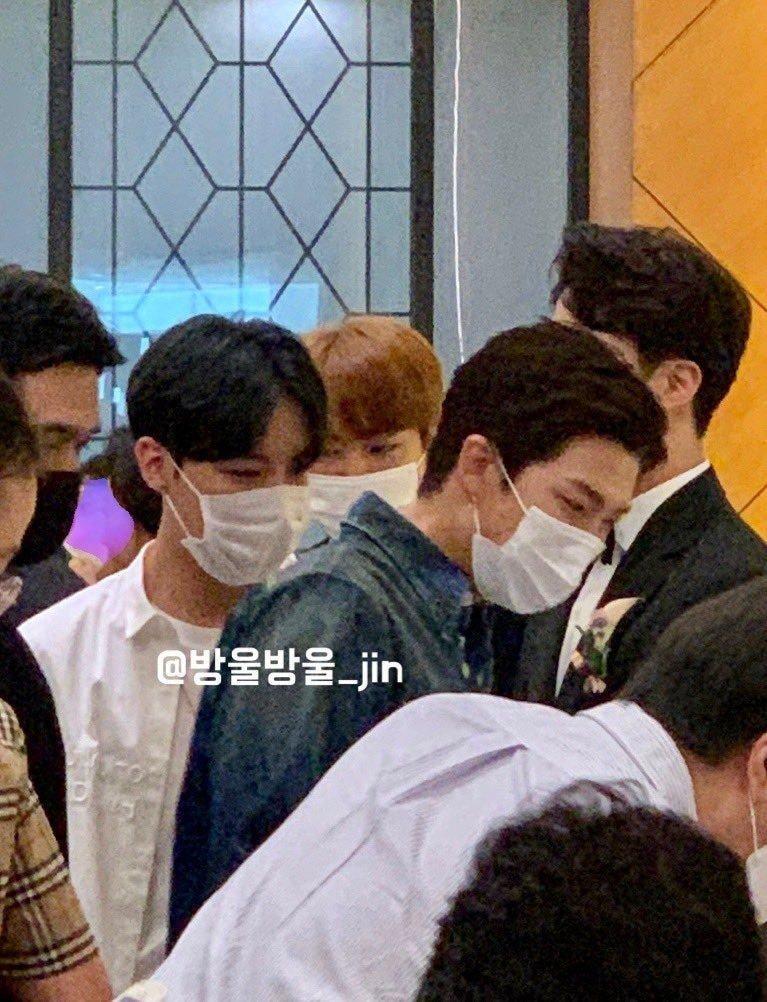 BTS, BTS dự đám cưới anh trai Jin, BTS dự đám cưới, Vẻ đẹp toàn cầu của BTS, đám cưới anh trai Jin, ARMY, Jin, J-Hope, RM