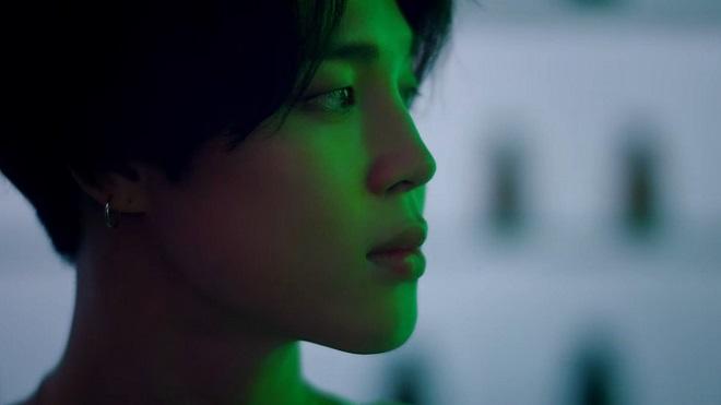 Jimin òa khóc trong 'BTS MOTS ON: E' khiến ai cũng sụt sùi theo