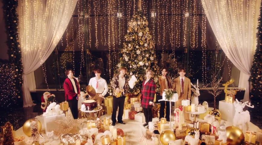 BTS, BTS đón giáng sinh, BTS đón Noel, Santa Claus Is Coming To Town, BTS video, BTS RM, BTS tin tức, BTS clip, BTS đón năm mới, bts Jin, BTS Jimin, BTS Jungkook
