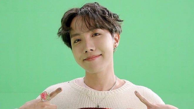 J-Hope BTS đẹp trai giống bố như hai người anh em song sinh