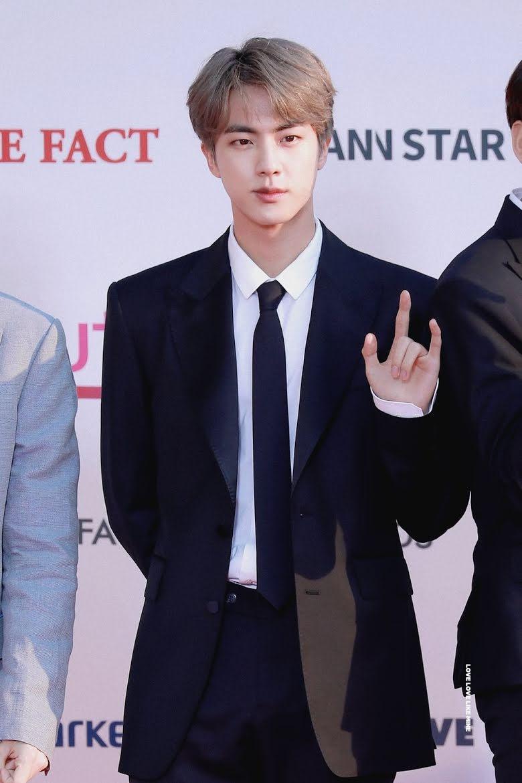 BTS, RM, Jin, RM mắng chửi nhân viên để bảo vệ Jin, Namjin, con người thật của RM, RM xấu tính, RM Jin, RM bảo vệ BTS, RM nổi nóng, RM và Jin đang gây sốt lại