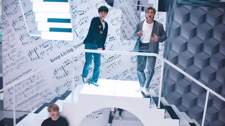 BTS, Ẩn ý uyên bác trong quảng cáo SMART của BTS, SMART BTS, quảng cáo của BTS, BTS 2021, BTS đóng quảng cáo SMART, giải mã quảng cáo SMART BTS