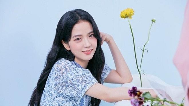 Jisoo Blackpink đẹp tựa tiên nữ trong loạt ảnh hè 2021