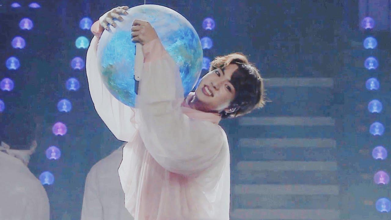 BTs, Jin, moon jin, thành tích jin, kỷ lục jin 2021, kỷ lục moon jin, thành tích moon jin 2021, moon jin melon, thành tích jin trên melon, jin tài giỏi, ảnh cả bts