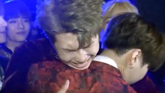 RM BTS đã trải qua nhiều chuyện rơi nước mắt như thế này
