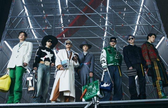 BTS, Louis Vuitton, BTS louis vuitton, bts thiết kế rương, sáng tạo của bts, bts thiết kế hộp, tranh bts vẽ, vmin