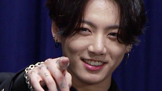 ARMY choáng ngợp vì ảnh cơ bụng mới của Jungkook BTS
