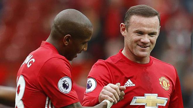 Rooney rời Man United, ai sẽ theo gót?