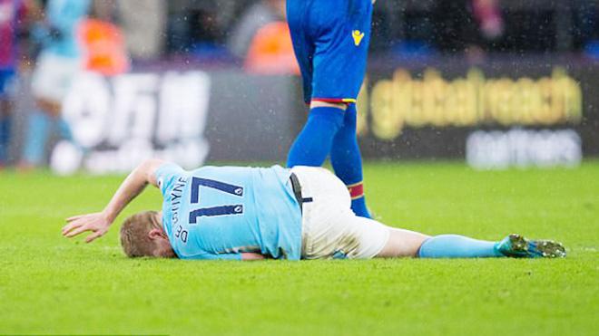 Man City cùng lúc mất hai 'chiến tướng', Guardiola đòi hỏi công bằng cho học trò