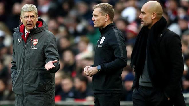 Wenger cãi nhau kịch liệt với Guardiola giữa trận Chung kết cúp Liên đoàn