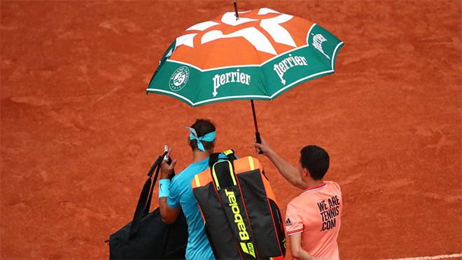 Tennis 29/5: Wawrinka chia tay Roland Garros sớm, Nadal và Sharapova bị thời tiết phá đám