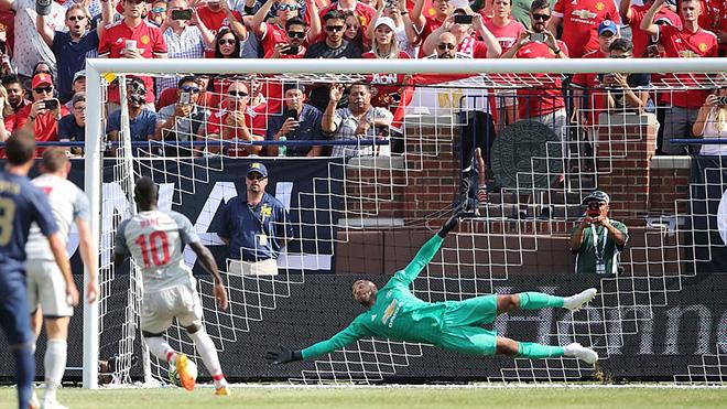 M.U 1-4 Liverpool: Shaquiri lập siêu phẩm, The Kop đại thắng