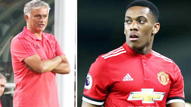Martial bật lại Mourinho: 'Xin lỗi, nhưng gia đình là ưu tiên số 1 của tôi'