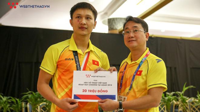 Webthethao.vn thưởng nóng Nguyễn Minh Phụng và các võ sĩ VN giành huy chương ASIAD 2018