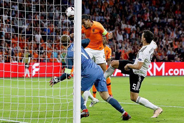 Video clip Hà Lan 3-0 Đức, Hà Lan vs Đức, UEFA Nations League, Đức rớt hạng, World Cup, Joachim Loew từ chức, Joachim Loew bị sa thải, tuyển Đức khủng hoảng