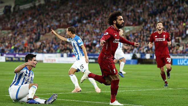 Video Huddersfield 0-1 Liverpool: Salah tỏa sáng, Liverpool vẫn bất bại, bám sát Man City