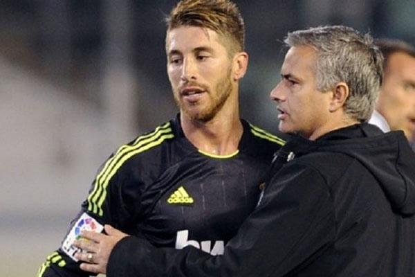 Mourinho bị MU sa thải, Mourinho từ chức, tương lai Mourinho, Mourinho dẫn dắt Real Madrid, Mourinho thay Lopetegui, tương lai Lopetegui, Mourinho vs Perez, Real Madrid