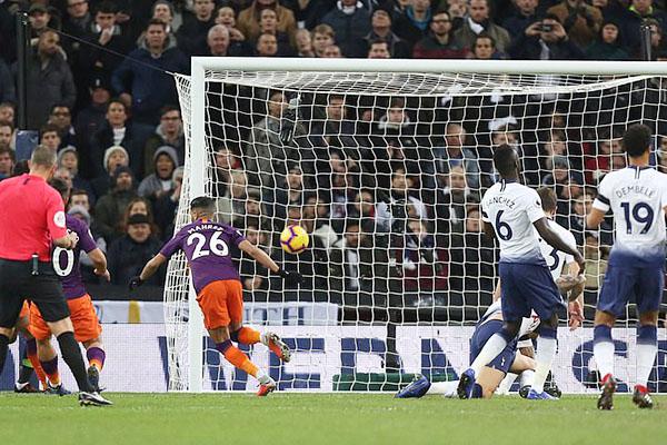 Kết quả bóng đá, Ket qua bong da, kết quả Ngoại hạng Anh, kết quả Tottenham vs Man City, video clip Tottenham 0-1 Man City, Man City, Tottenham, Mahrez, ngôi đầu