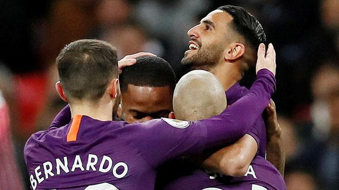 Video clip bàn thắng Tottenham 0-1 Man City: Mahrez tỏa sáng, 'Man xanh' trở lại ngôi đầu