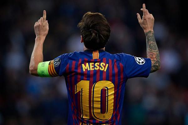 Messi, Barca, Tottenham vs Barcelona, Lamela đổi áo Messi, Messi lập cú đúp, đổi áo, kết quả Tottenham vs Barca, Lionel Messi, Lamela, Barcelona, Tottenham