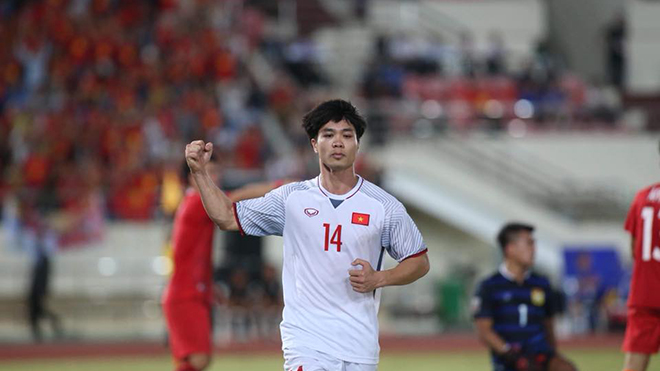 Lào 0-3 Việt Nam: Công Phượng đã từ cậu bé trở thành người đàn ông