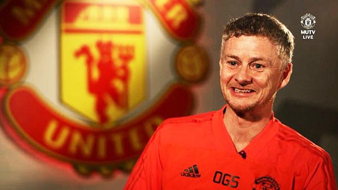 Ole Gunnar Solskjaer: 'Chỉ cần ra sân nở nụ cười và tự hào vì đã được chơi cho M.U'