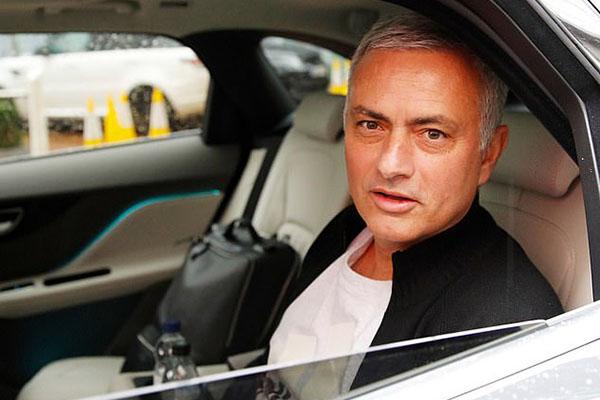 M.U sa thải Mourinho, Mourinho bị sa thải, MU bổ nhiệm Solskjaer, Solskjaer thay Mourinho, văn phòng Mourinho, Man United, Manchester United, M.U, MU, Quỷ đỏ, Carrington