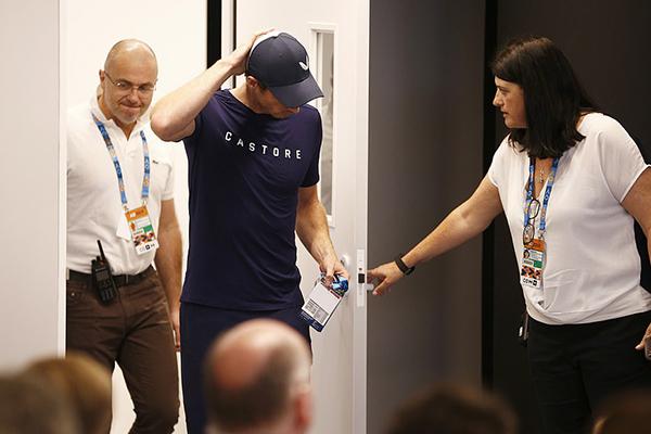 Murray thông báo giải nghệ, Murray giải nghệ, Murray bật khóc, Murray chấn thương, Murray dự Australian Open 2019, chấn thương hông, Australian Open, Wimbledon, giải nghệ, gác vợt, chia tay, từ giã