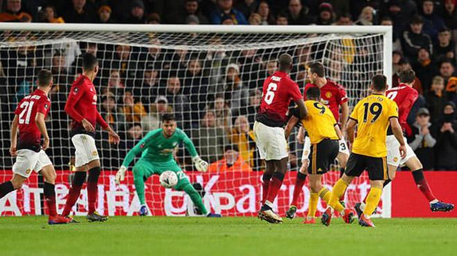 Cúp FA vòng tứ kết: MU bị loại sốc, Man City thoát hiểm
