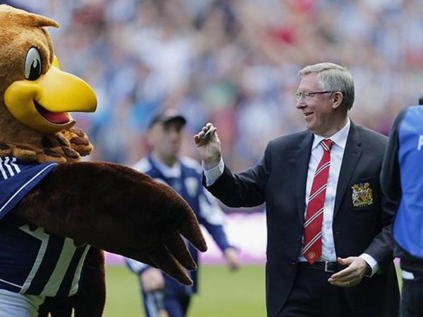 Sir Alex, bã kẹo cao su Sir Alex, đấu giá bã kẹo cao su Sir Alex, West Brom vs MU, trận cuối Sir Alex, 12 tỷ đồng, MU, Man United, Manchester United, Quỷ đỏ, kẹo cao su