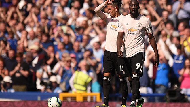 Cuộc đua Top 4 Ngoại hạng Anh: MU tự đẩy mình vào chân tường, Arsenal lại run rẩy