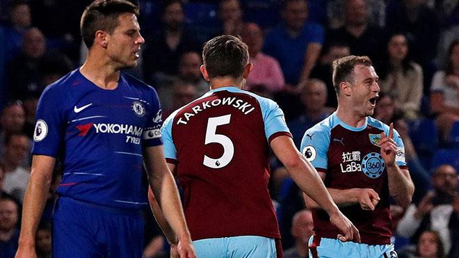 VIDEO Chelsea 2-2 Burnley: Hòa đáng tiếc, The Blues lỡ cơ hội bứt phá