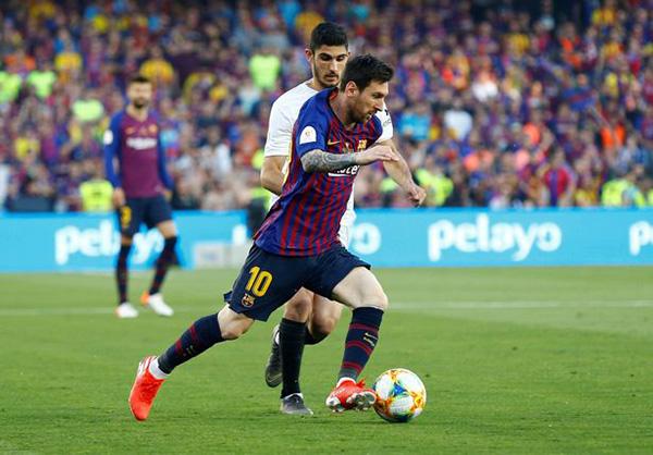 Kết quả Barca vs Valencia, video clip Barca 1-2 Valencia, Barca vs Valencia, Barcelona vs Valencia, kết quả bóng đá, kết quả chung kết Cúp Nhà Vua, Messi, Barca, Valencia