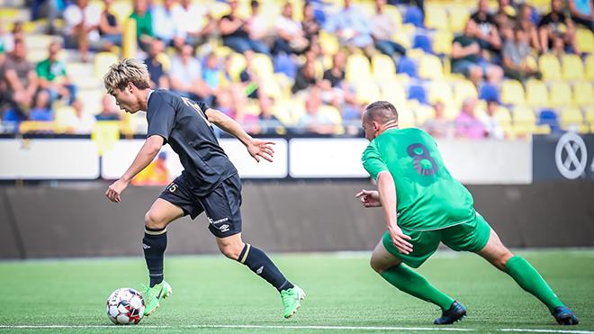Công Phượng, Công Phượng ở Sint Truidense, Sint Truiden, Sint Truidense vs Mouscron, Công Phượng ra mắt Sint Truidense, giải vô địch Bỉ, Công Phượng dự bị, HAGL, STVV