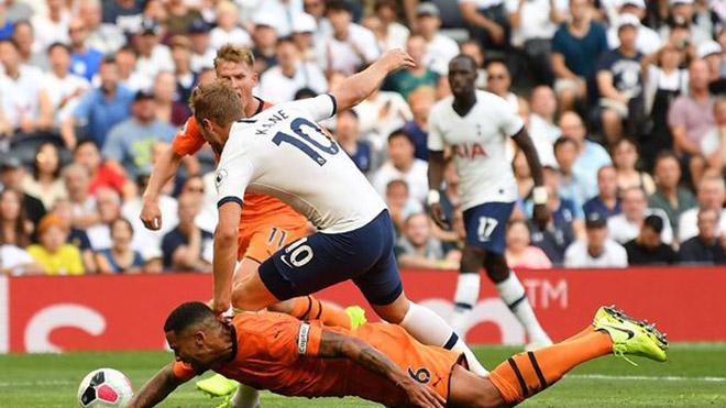 Bong da, bóng đá, lich thi dau bong da hom nay, ket qua bong da, Tottenham 0-1 Newcastle, tranh cãi VAR, Kane bị phạm lỗi, phạt đền, 11m, VAR, Tottenham, Pochettino, K+