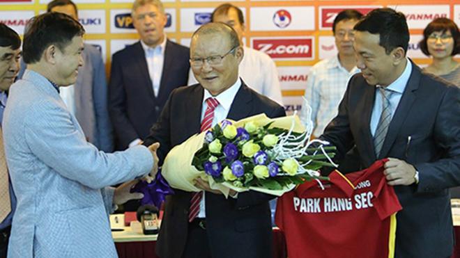 VIDEO trực tiếp Lễ công bố HLV Park Hang Seo ký hợp đồng mới với VFF