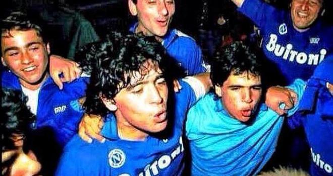 Tin tuc bong da, Tin bóng đá, Bong da, Messi vs Maradona, Cầu thủ vĩ đại nhất, Messi hay Maradona xuất sắc nhất, bóng đá, Messi, Maradona, Cannavaro, Napoli, Argentina