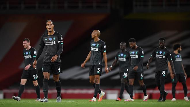 Video bàn thắng Arsenal 2-1 Liverpool: Hàng thủ hớ hênh, The Kop nhận trái đắng